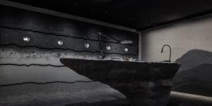 Audemars Piguet hợp tác cùng nghệ sĩ, ra mắt BST tại Art Basel Hong Kong 2019