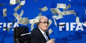 Cựu Chủ tịch FIFA vướng bê bối đồng hồ, tuyên bố sẽ khởi kiện