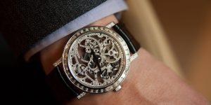Thưởng lãm bốn mẫu đồng hồ đính kim cương dành cho phái mạnh