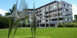 Tập đoàn Swatch chính thức đáp trả cuộc chiến pháp lý với COMCO