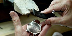WOW's Lab: Mọi điều bạn cần biết về cách làm sạch đồng hồ